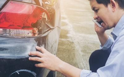 Fahrerflucht – wer sich nach einem Unfall nicht korrekt verhält, dem drohen empfindliche Strafen